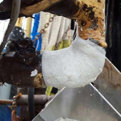تعمیر لوله نفت با بانداژ آب بندی